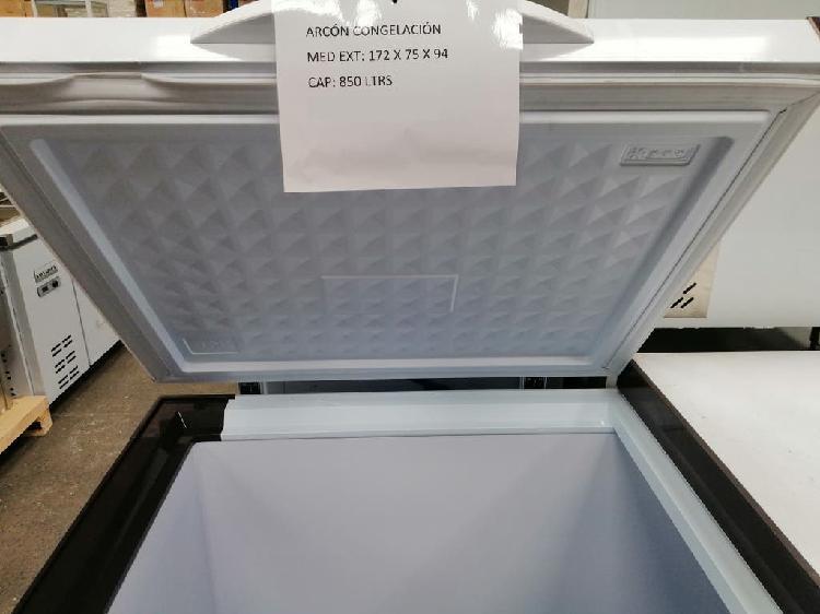 Arcon congelador de 805 litros