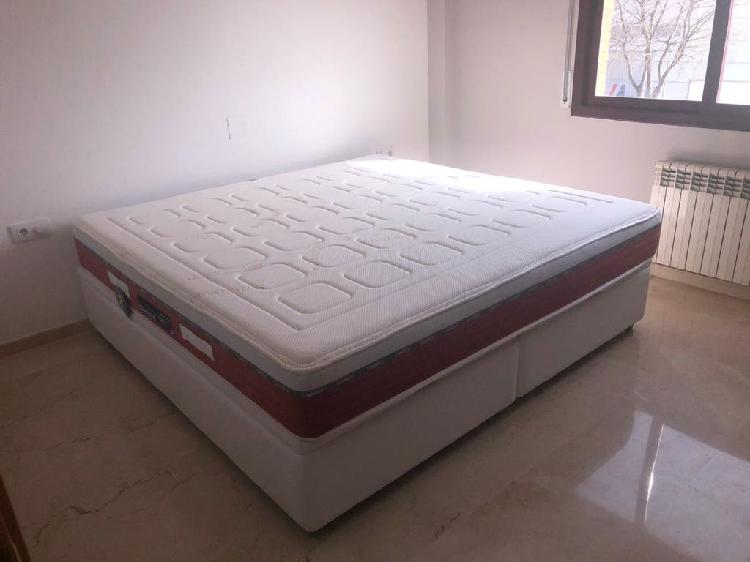 Colchon y canape blanco 200 x 200