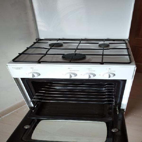 Cocina gas natural.