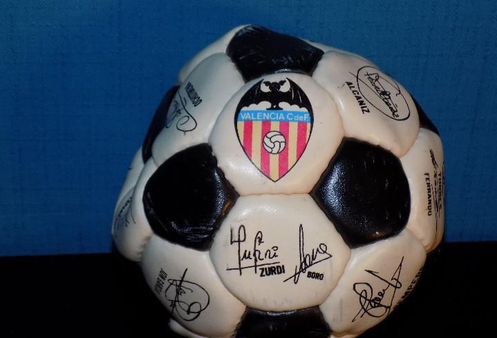 Minibalon firmado valencia cf años 90 firmado