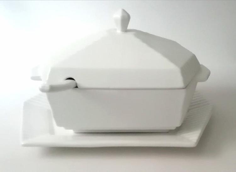 Sopera fuente cucharón