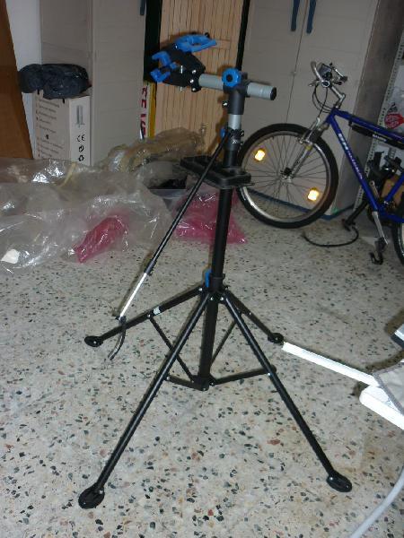 Soporte mantenimiento bicicletas
