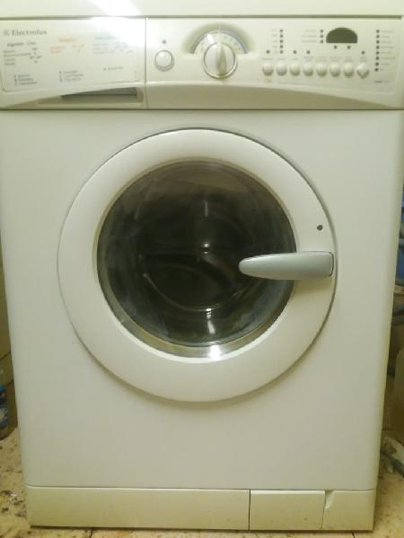 Lavadora secadora con transporte