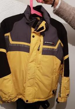 Anorak y pantalón de esquí.