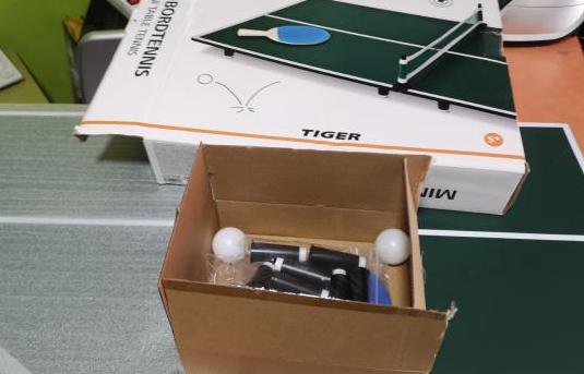 Mini mesa de ping pong nueva