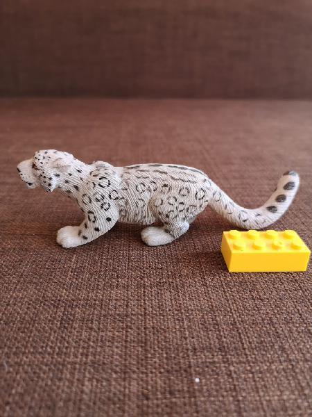 Leopardo de las nieves de safari ltd