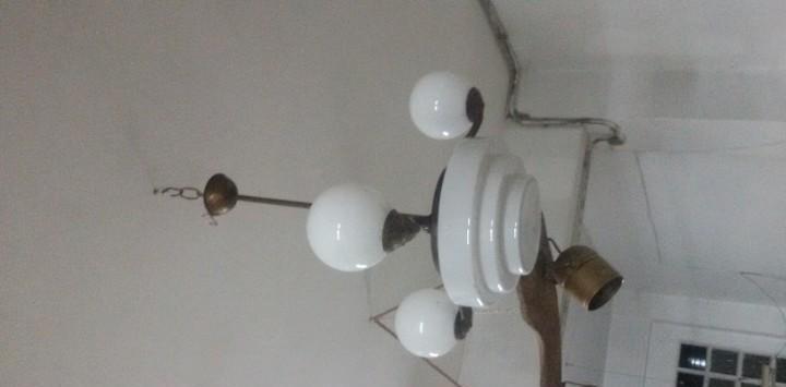 Lámpara de latón art-decó