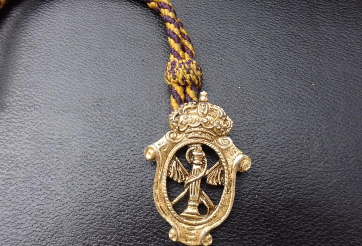 Semana santa sevilla - medalla con cordon de la hermandad de