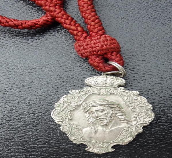 Semana santa sevilla, medalla con cordon hermandad de san
