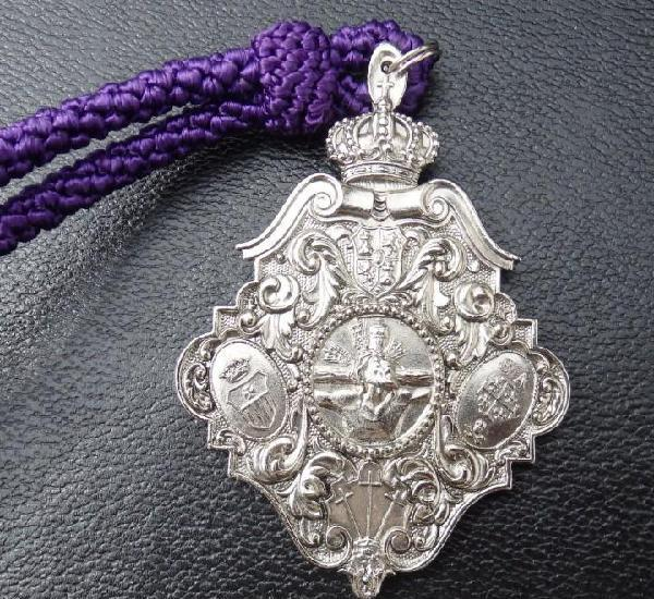Semana santa sevilla, medalla con cordon, hermandad del