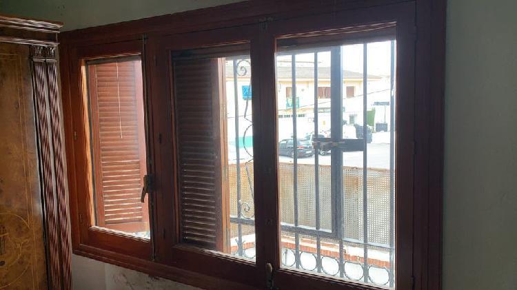Ventanas y puertas de madera
