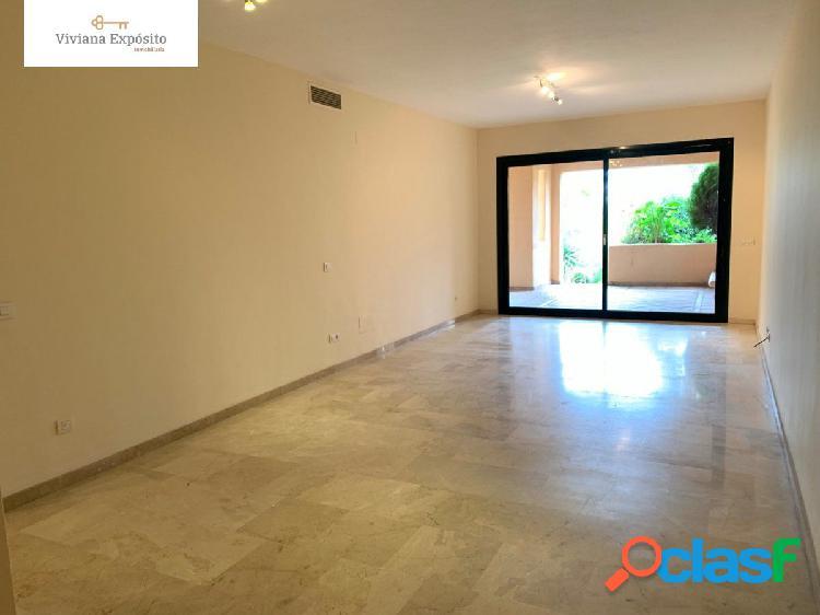 Amplio piso de dos dormitorios sin muebles para alquilar!!