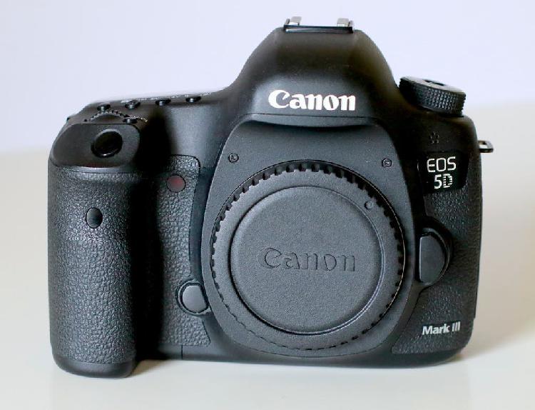 CANON 5D III + 24 70 + EXTRAS