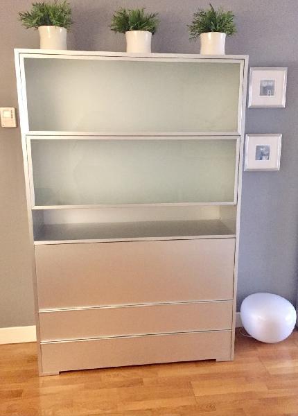 Mueble contenedor de diseño marca kartell