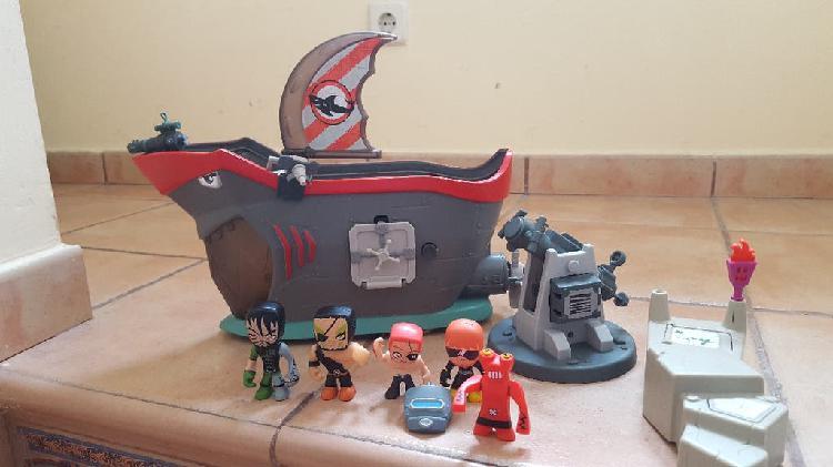 Mutant busters figuras, barco y otros