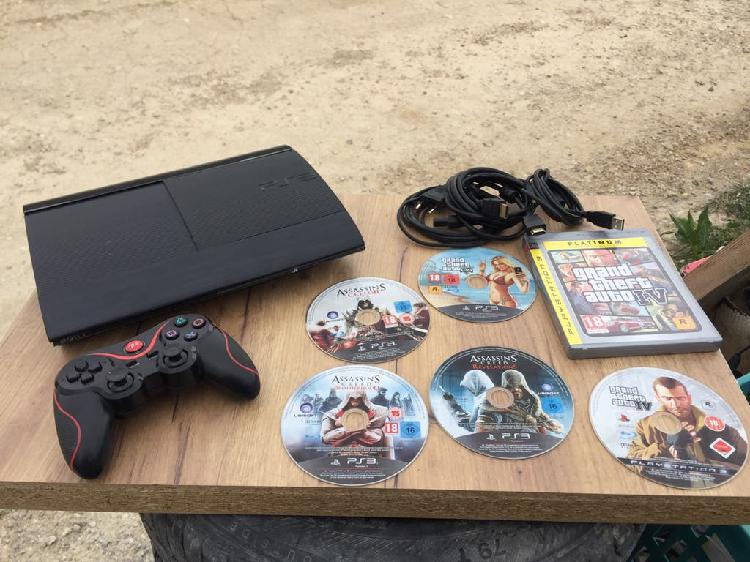 Play station 3 completa con 6 juegos