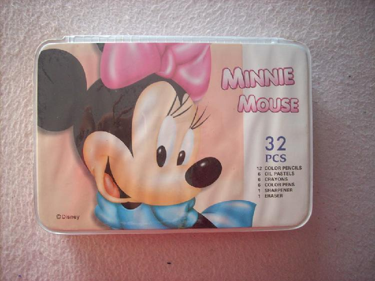 Set infantil para colorear de minnie mouse