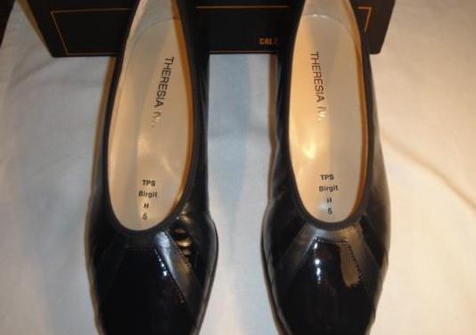 Zapatos vestir, piel,color negro.nº 38.nuevos