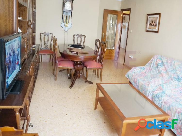 Gran piso en pleno centro de xativa con mucha luz preciosas vistas y mucho encanto.