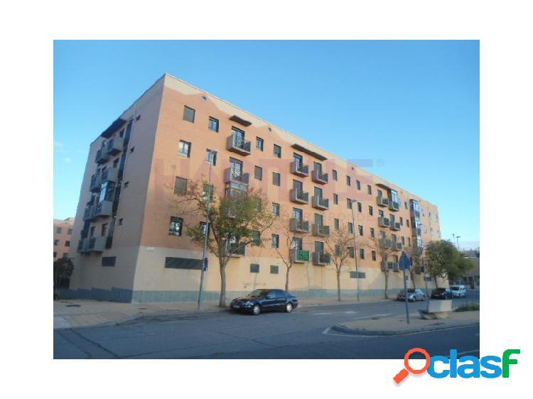 Venta de piso de 2 dormitorios, salón, cocina, baño,plaza de garaje y trastero en el barrio de los alcaldes,salamanca.