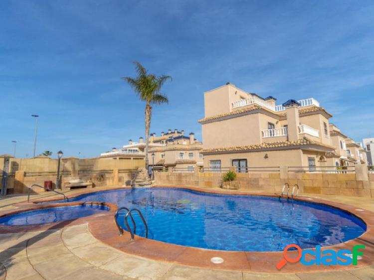 Fantástico adosado en residencial vista azul en villamartín