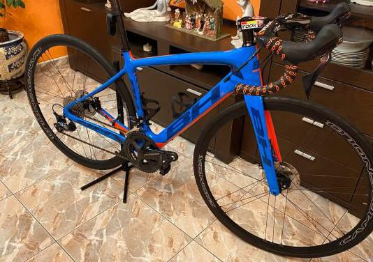 Bicicleta de carretera bh quarz ultegra disc