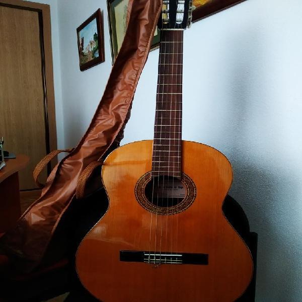 Guitarra clasica española de estudio