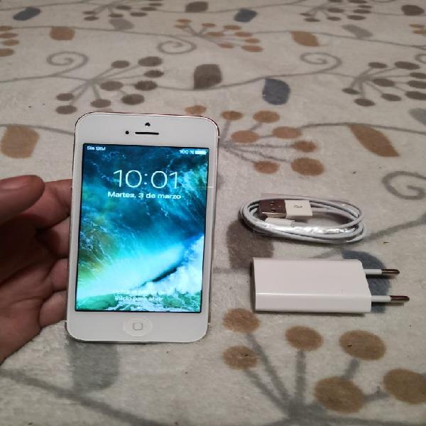 Iphone 5 plata ( como nuevo )