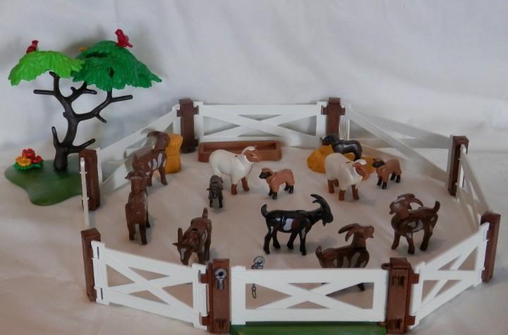 Playmobil cercado de cabras y ovejas