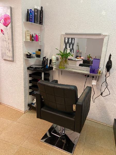 Se traspasa centro de estética y peluquería.