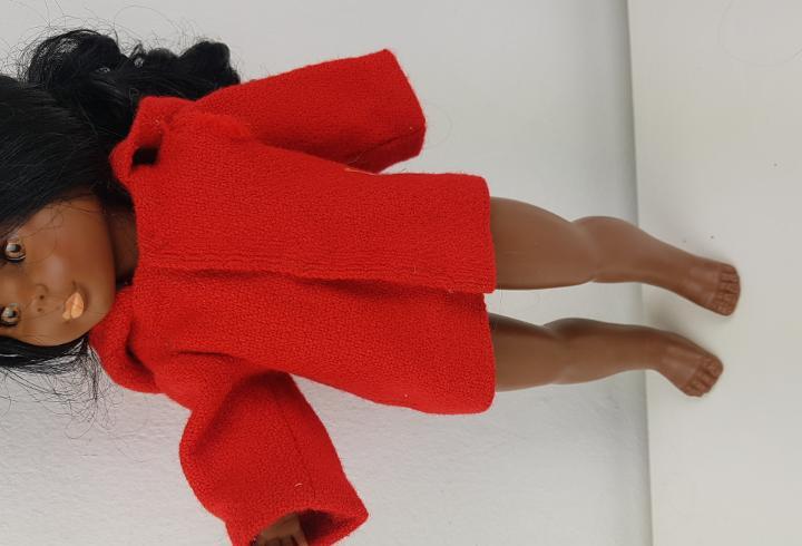 Abrigo años 70 rojo capucha