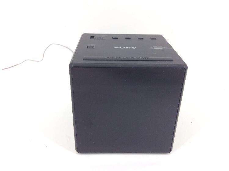 Radio despertador sony icf-c1
