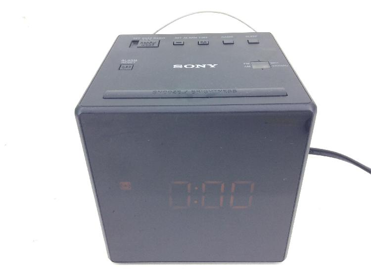 Radio despertador sony icf g1