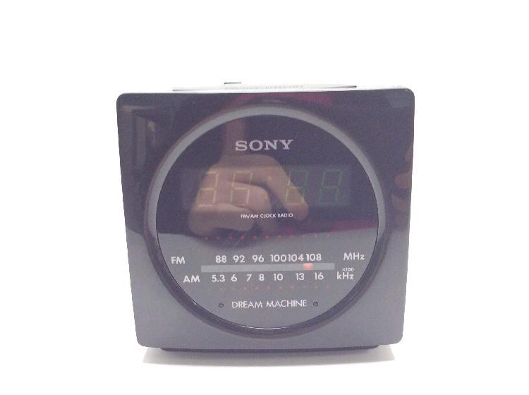 Radio despertador sony icfc130