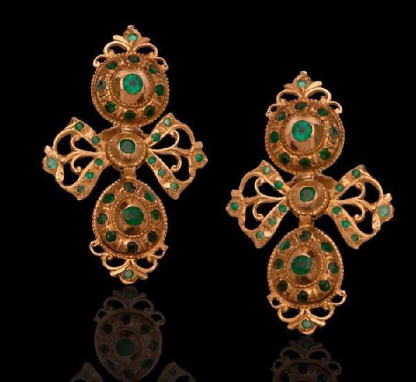Espectaculares pendientes de oro 18 kt esmeraldas antiguos