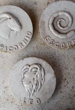 Placa horóscopo capricornio escorpio leo