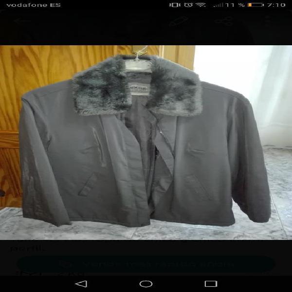 Abrigo nuevo new caro talla 42