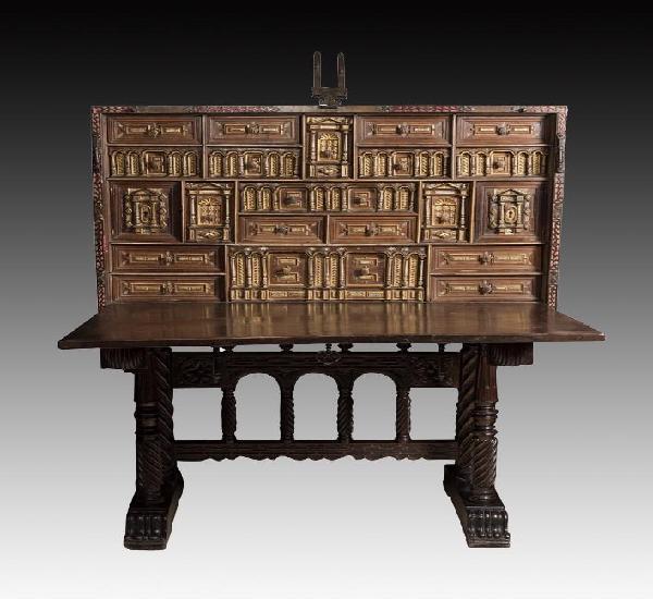 Bargueño; españa, siglo xvii. madera de nogal. presenta