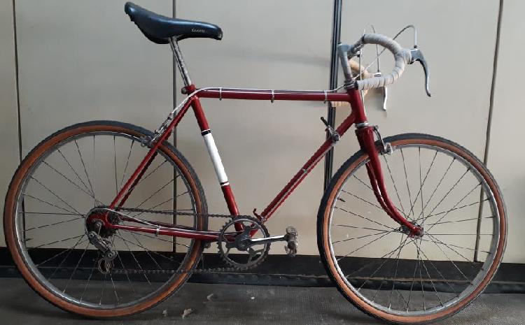 Bicicleta carretera clasica junior
