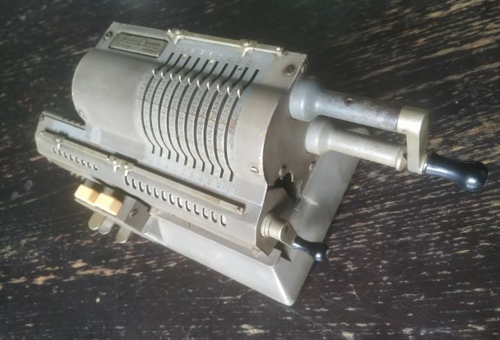 Calculadora original odhner modelo 107. funciona