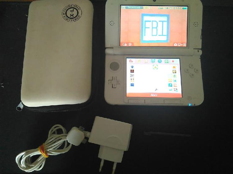 Consola 3ds xl + extras