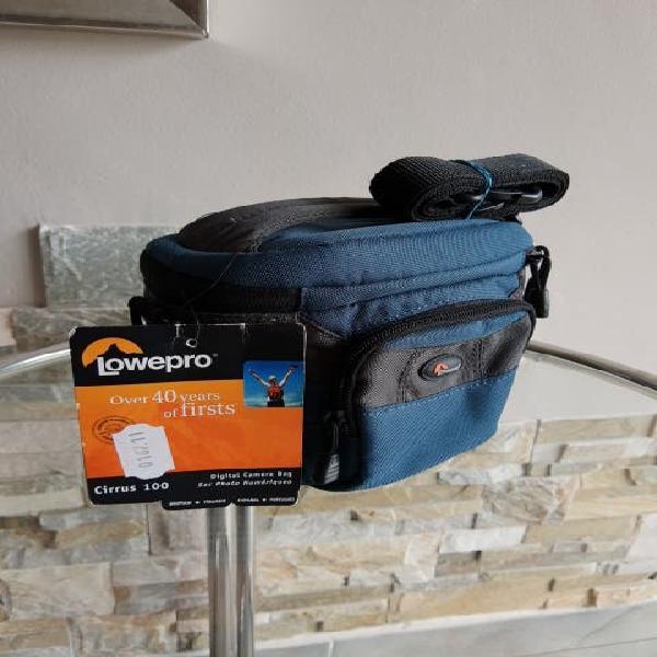 Digital camera bag lowepro cirrus 100