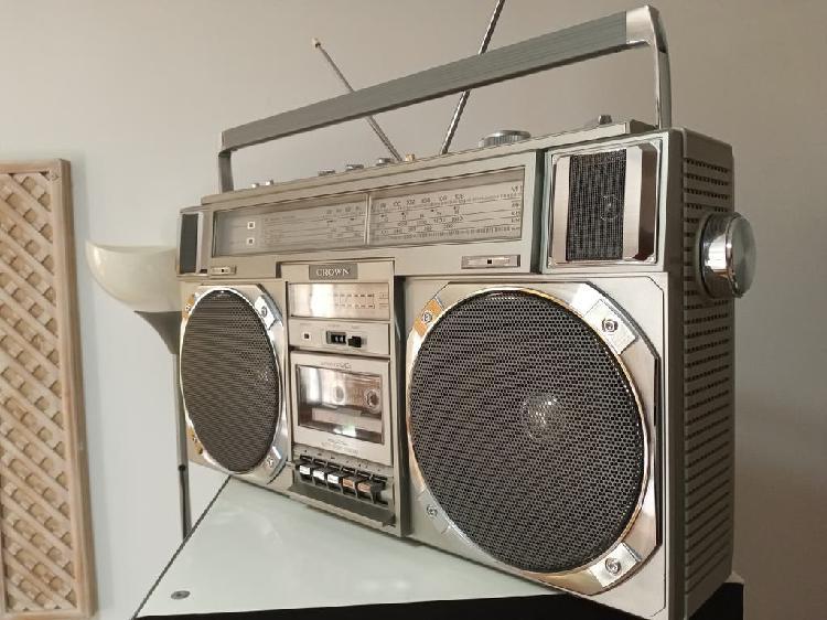 Radio cassette boombox crown