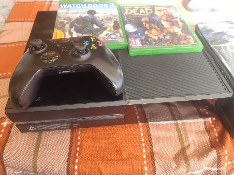 Xbox one + mando y juegos