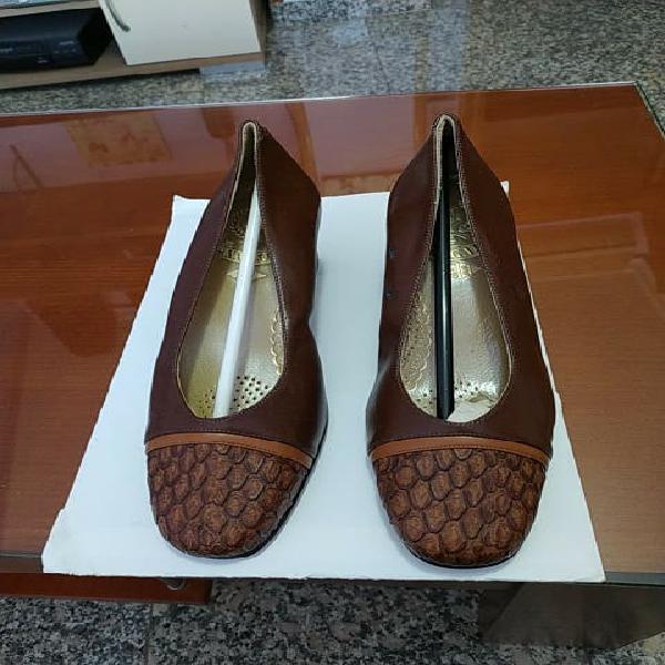 Zapatos de piel núm 39