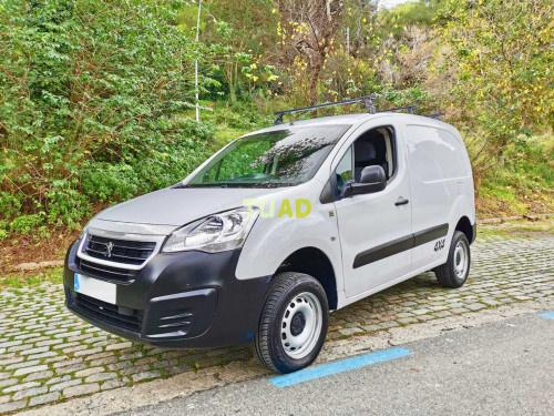 Peugeot partner dangel extreme 4x4 hdi 92cv. impecable.