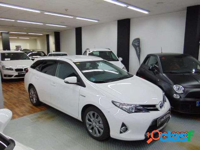 Toyota Auris Touring Sports Hybrid Advance '15 3