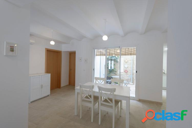 Spectacular home in the traditional neighborhood of cabanyal-canyamelar