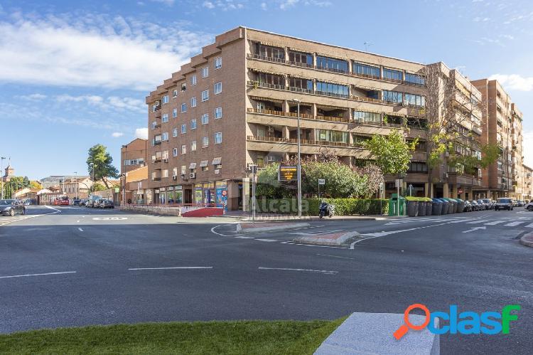 Señorial piso de 166 m2 4 habitaciones y patio en el centro de alcala de henares