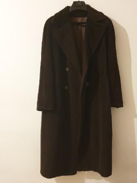 Abrigo marrón síntesis